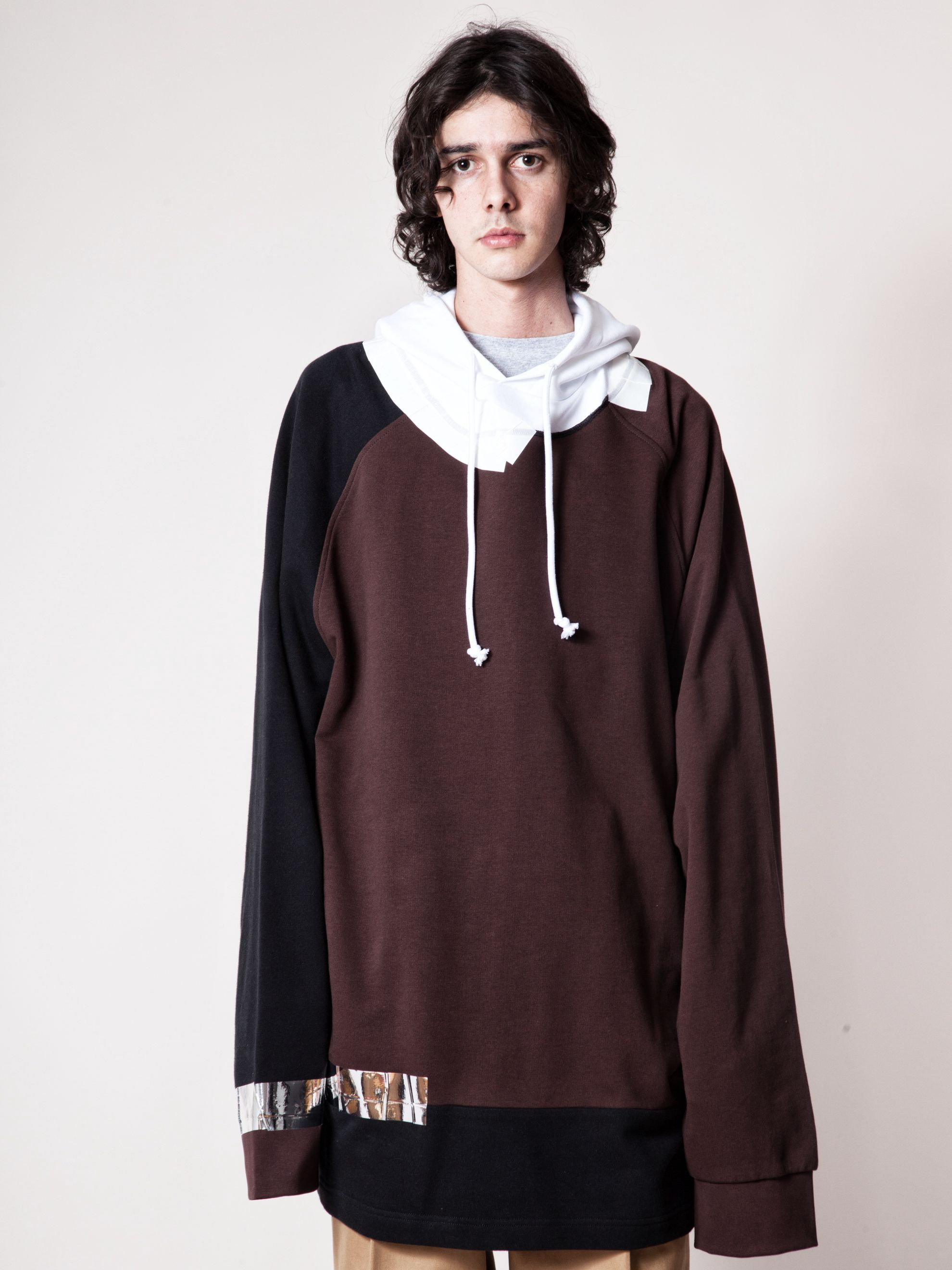 White/Red Oversized Hooded Sweatshirt (Tape) 3