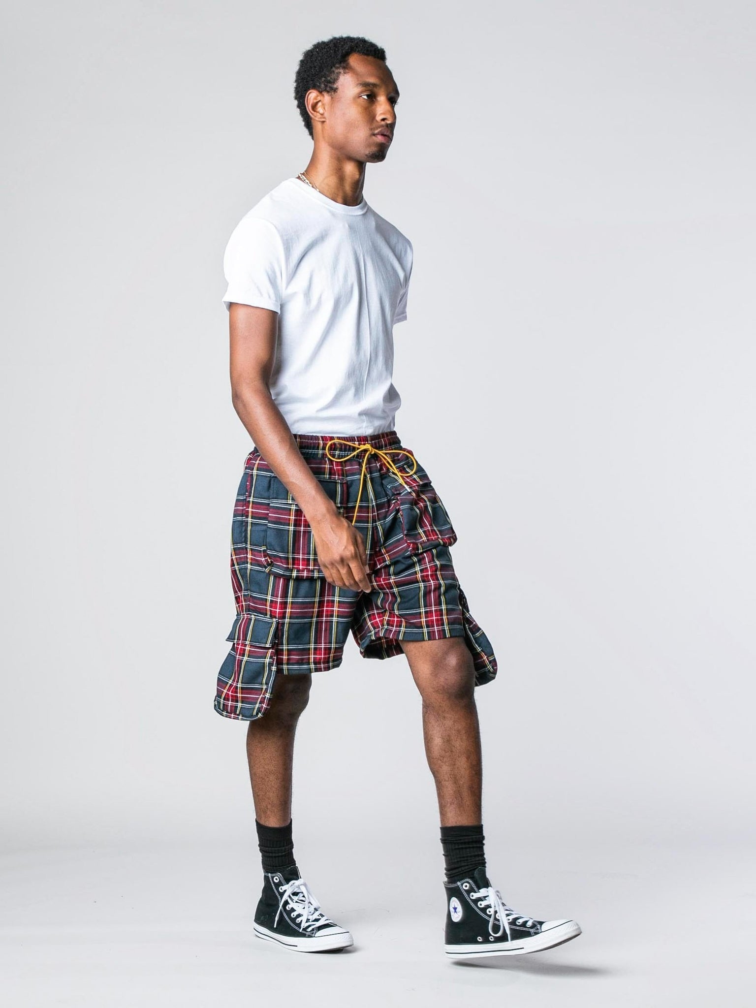 plaid-cargo-shorts