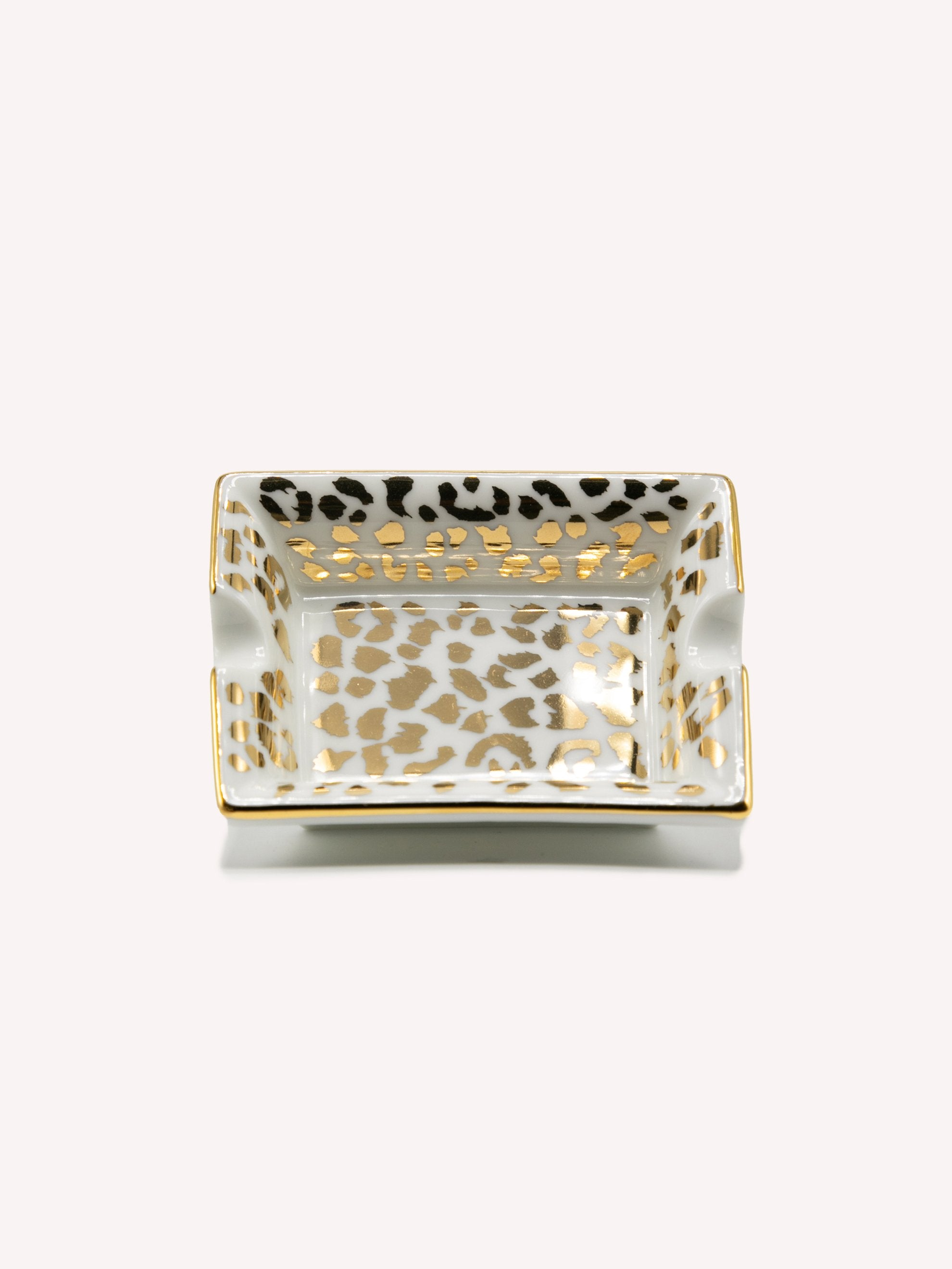 Leopard Ashtray (Type-1)
