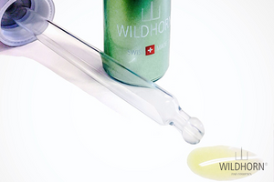 "<span class=""fr"">Application de l'huile Wildhorn<sup>&reg;</sup></span><span class=""en"">How to use the Wildhorn<sup>&reg;</sup> oil</span><span class=""de"">Anwendung des Wildhorn<sup>&reg;</sup> Öls</span>"