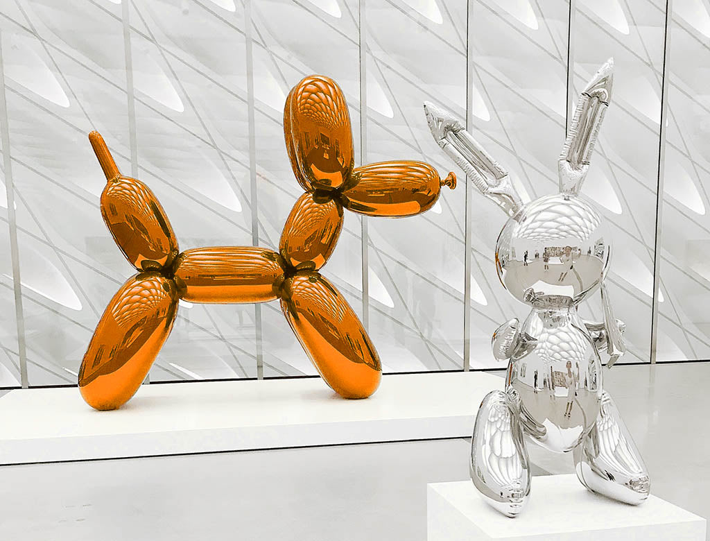 Balloon Dog by Jeff Koons - Photo by Derick McKinney on Unsplash