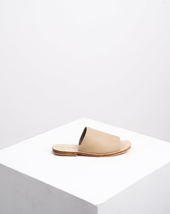 CHLOE Leather Slides