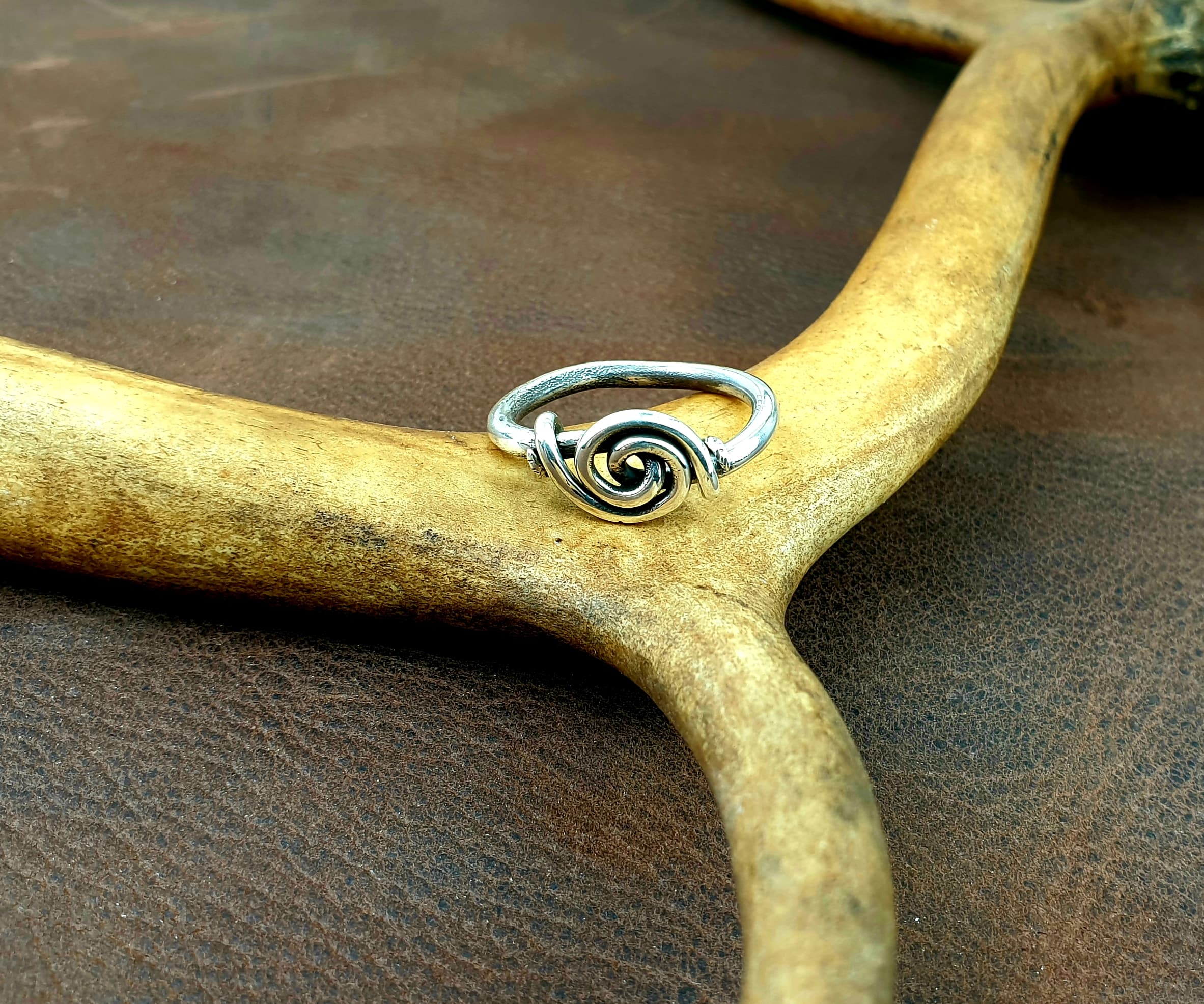 Wire spiral ring in sterling silver