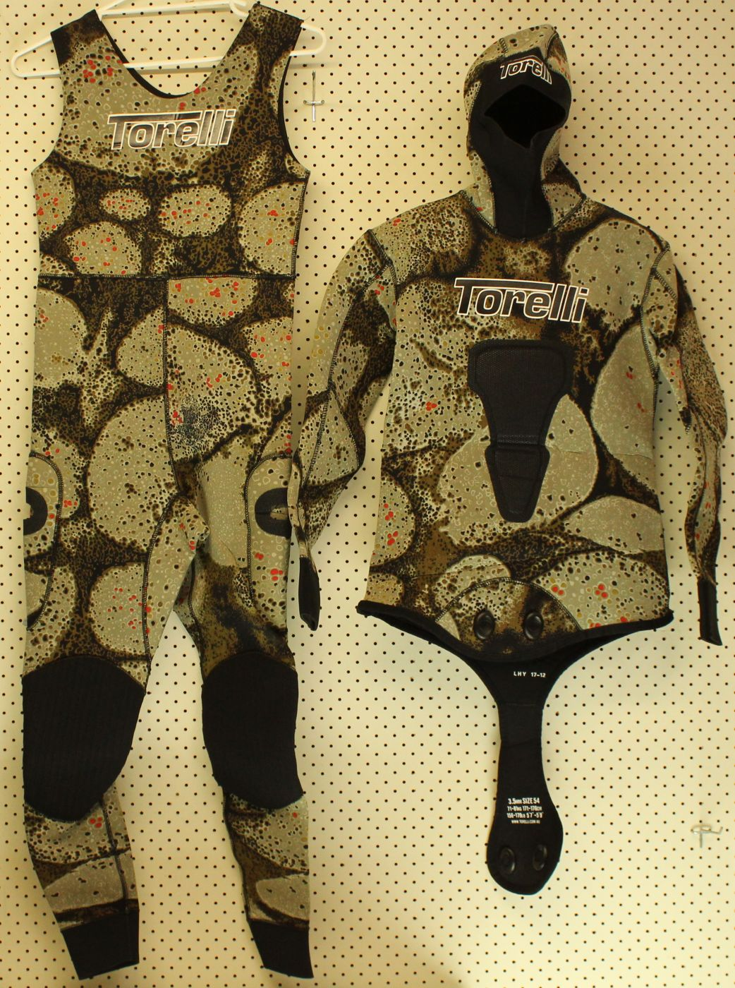 Torelli Pangea 3.5 mm Wet Suit