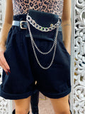 Short in jeans con marsupio e catena Nero