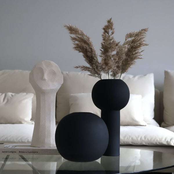 Ball Vase Black 20cm