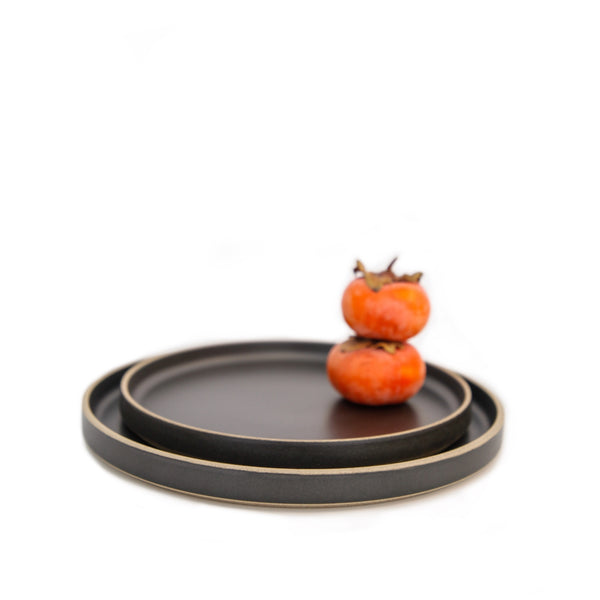 Hasami PorcelainPlate Black - Batten Home