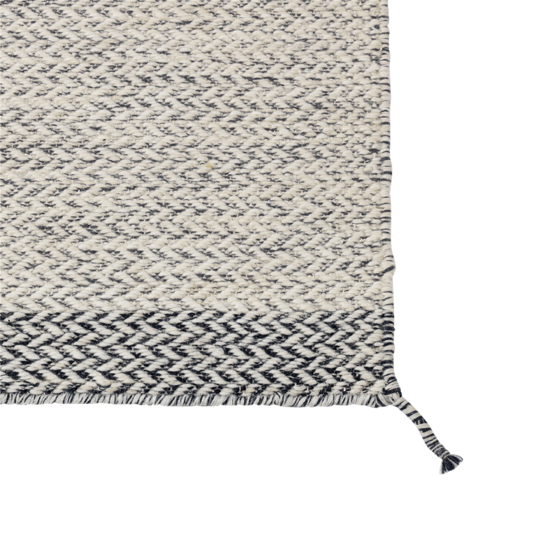 MuutoPly Rug 400 x 400 - Batten Home