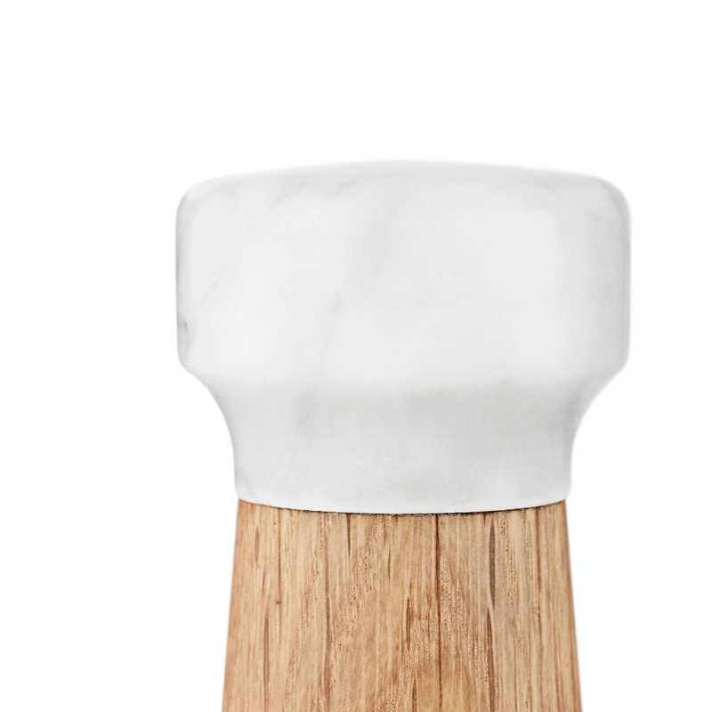 The Craft Salt Mill is just one piece of the beautiful collaboration between Normann Copenhagen and Danish designer Simon Legald. The Craft Collection offers a variety of kitchen essentials, made of quality materials that are suitable for everyday use.