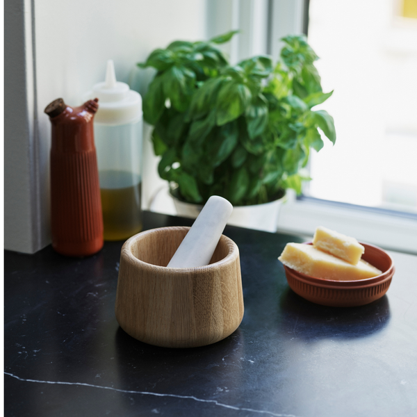 The Craft Mortar & Pestle is just one piece of the beautiful collaboration between Normann Copenhagen and Danish designer Simon Legald. The Craft Collection offers a variety of kitchen essentials, made of quality materials that are suitable for everyday use.