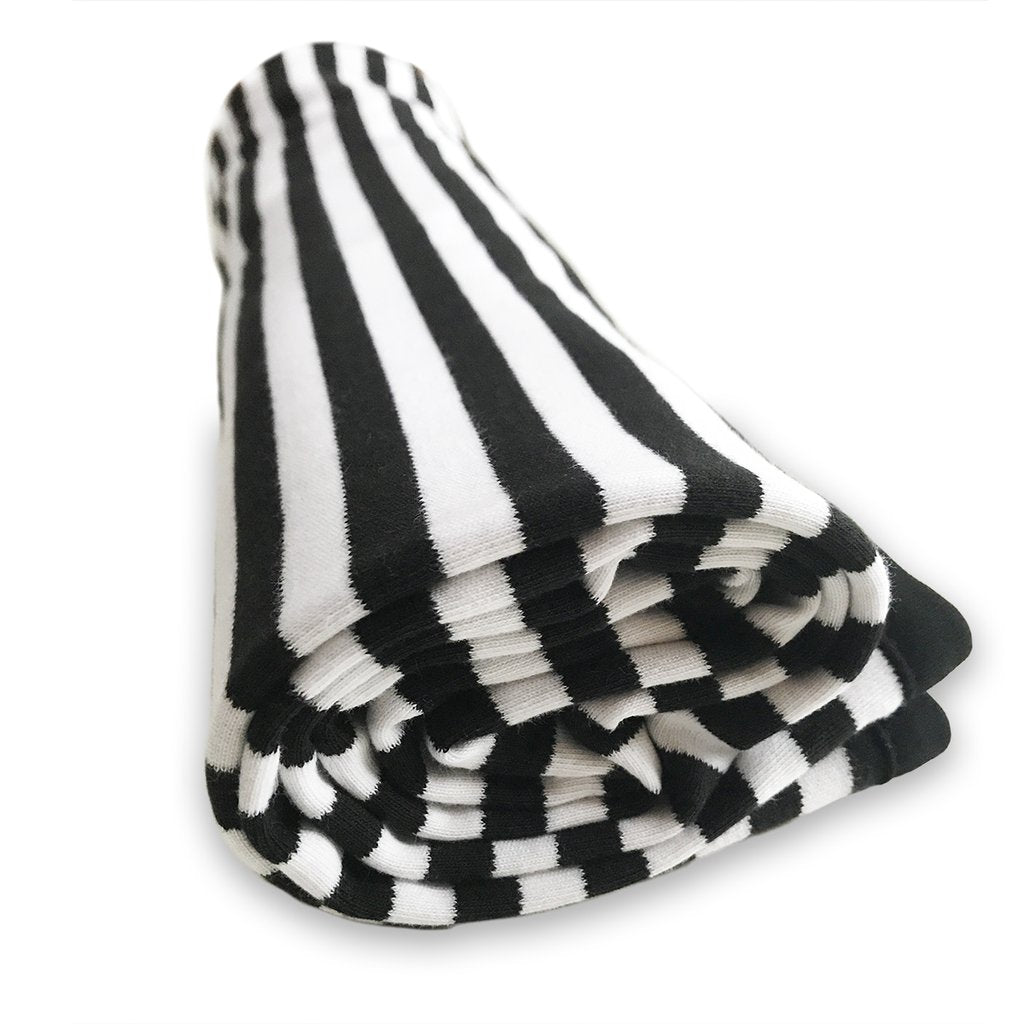 Lazy Baby® Organic Cotton Black and White Blanket - Just Done 9 Months Inside