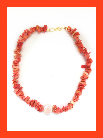 Madre Pérola Blush Necklace