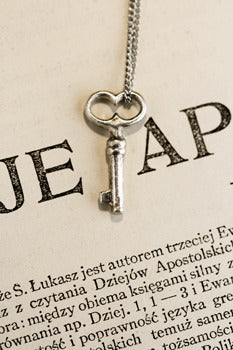 Small Heart Skeleton Key in Silver