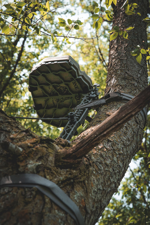 Lone Wolf Custom Gear D'Acquisto Series Hang-On Tree stand