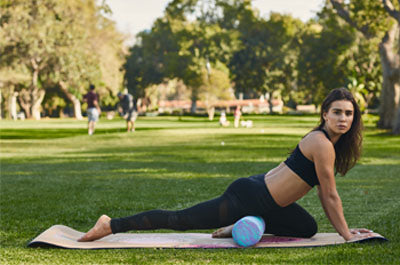 Massages with Foam Roller -Front thighs - Majisports.com