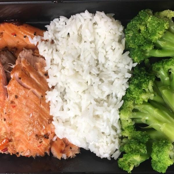 Salmon w/ Jasmine Rice & Broccoli