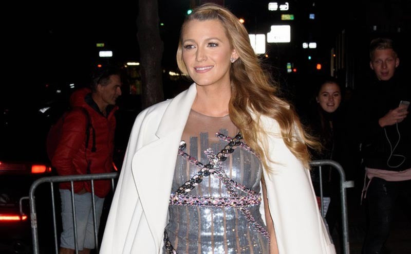 BLAKE LIVELY SPORTED SEVEN OUTFITS WITH STUNNING SHOES IN ONE DAY