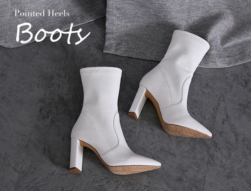 WHITE ANKLE BOOTS ARE IN TREND FOR THIS SUMMER