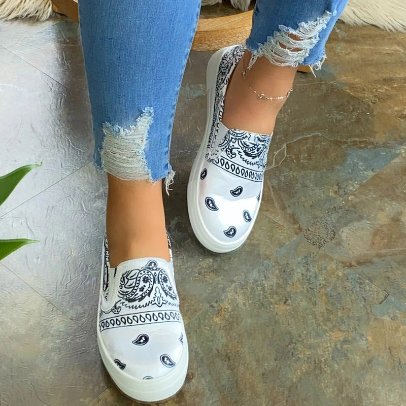 Women Fabric Characteristic Pattern Slip On Platform Skate Shoes Sneakers
