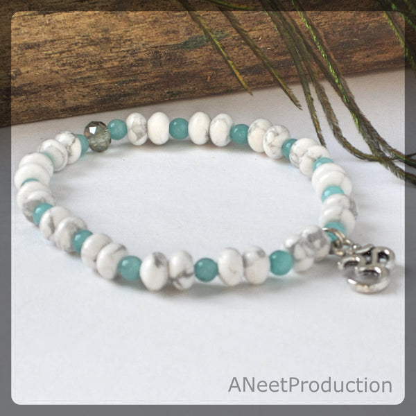 White Howlite & Aquamarine Stretch Bracelet