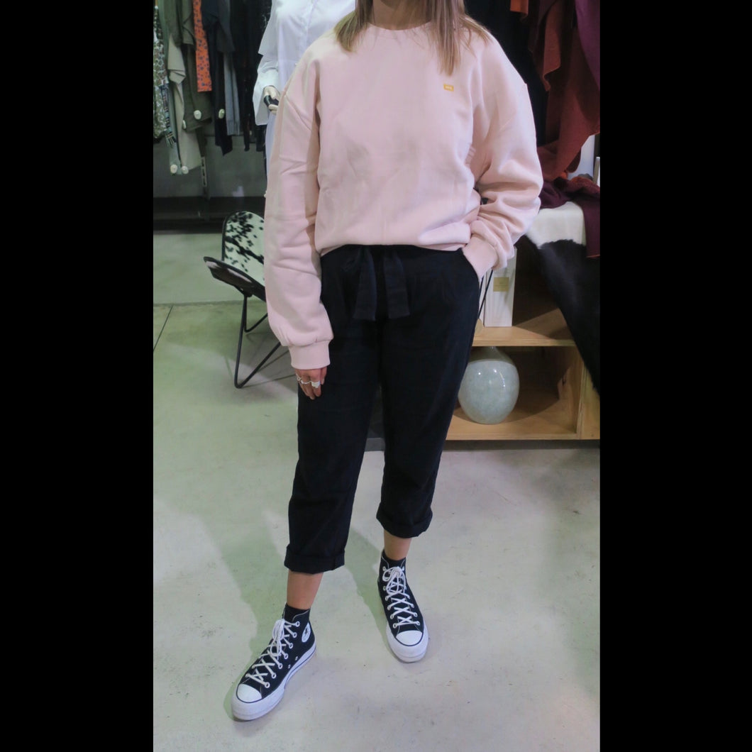 Slouch Crew Ground in Gum Pink 820