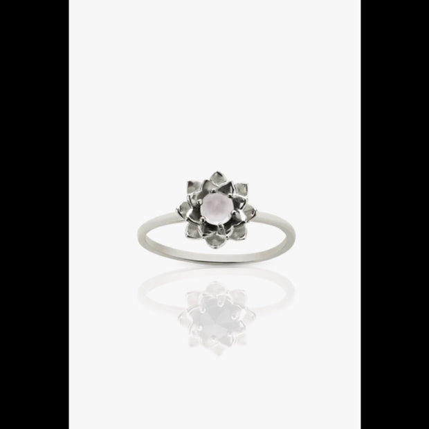 Protea Stacker Ring with Stone / Size 7.5 - 1020