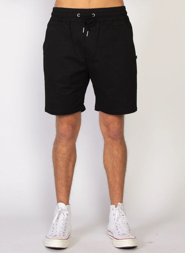 Traveller Short in Black - 1020