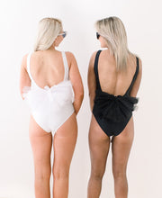 Load image into Gallery viewer, Booty veil pom pom for swimsuit bachelorette party
