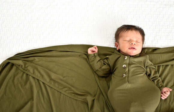 Little Luna Company, Knit Swaddle in Ivy and Knotted Gowns in Ivy