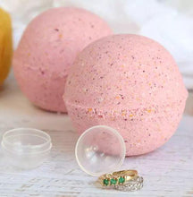 Load image into Gallery viewer, Delicious Scented Bath Bombs - With Ring Inside