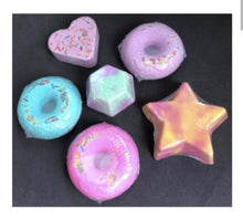 Load image into Gallery viewer, Cute Novelty Bath Bombs