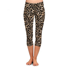 Load image into Gallery viewer, Ladies Growlin' Leopard Printed Capri Leggings