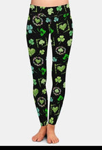Load image into Gallery viewer, Womens Beautiful Clover Design Printed Leggings