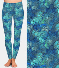 Load image into Gallery viewer, Ladies Super Soft Waves Patterned Leggings
