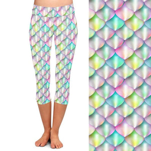 Ladies Gorgeous Pastel Fish Scales Printed Capri Leggings