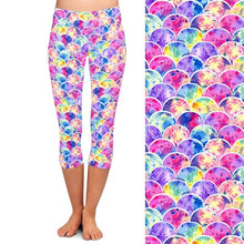 Load image into Gallery viewer, Ladies Gorgeous Pastel Fish Scales Printed Capri Leggings