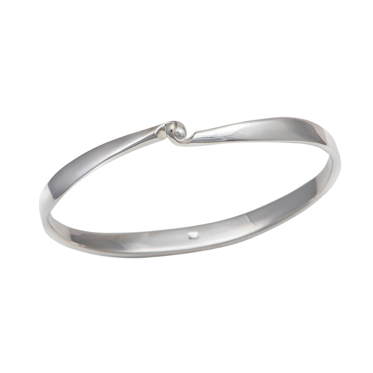 Sterling Silver Clasp Bangle with a Tapered Design