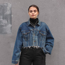 Load image into Gallery viewer, YES BAB vintage Levis frayed crop. 14, 16, 18