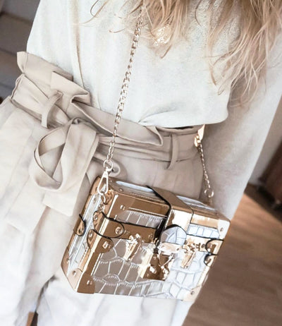KAREN SQUARE CROSSBODY BAG-SILVER