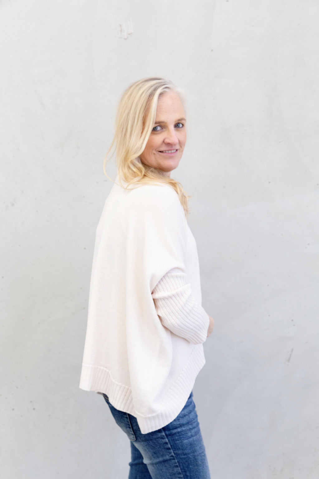 The Knit Studio Merino Boxy Crop Winter White