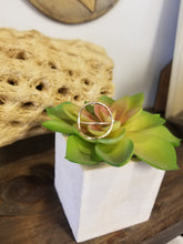 Load image into Gallery viewer, Dainty Space Between Ring