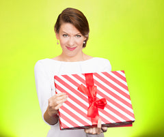 5 Gifts Women Hate Receiving on Special Days