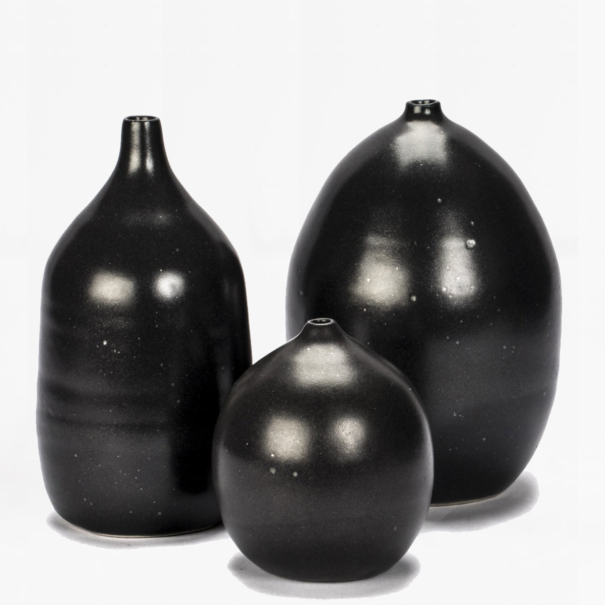 pucker vase, black