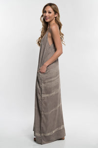 Sandy V-Neck Maxi Dress