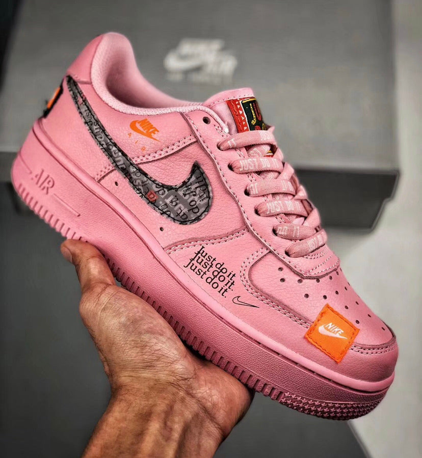 NIKE AIR FORCE WMNS