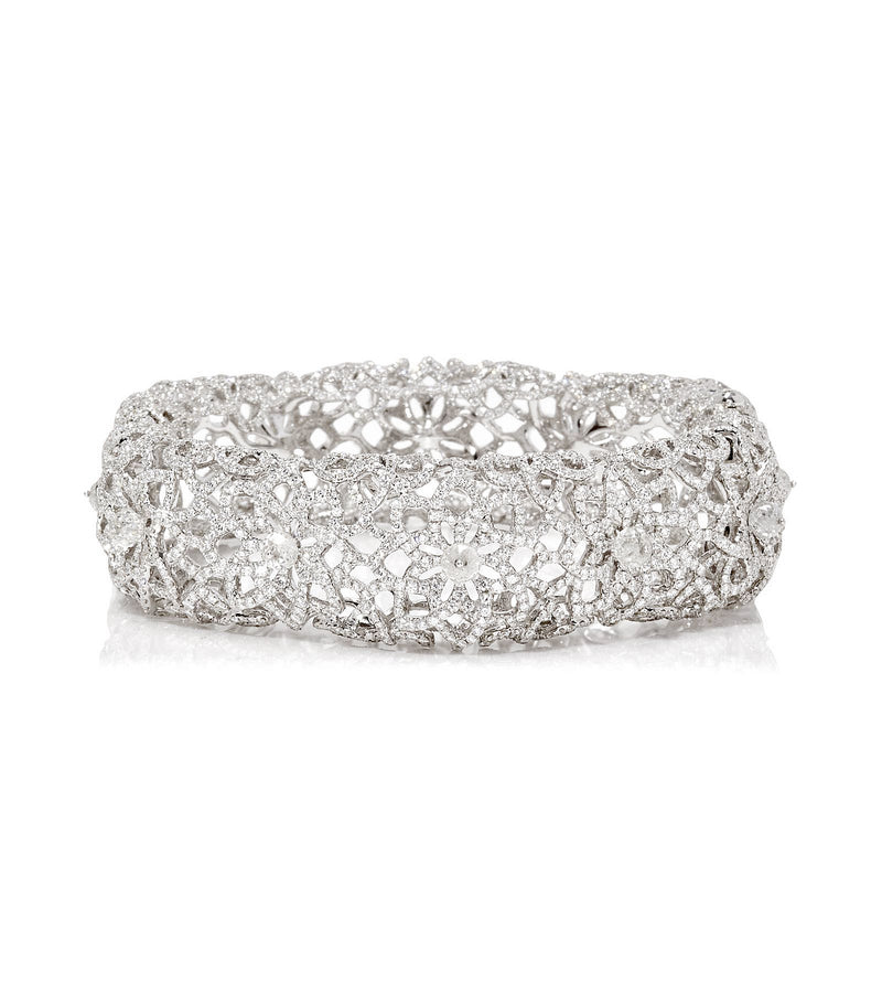 White gold bracelet with 18.91 carats of round