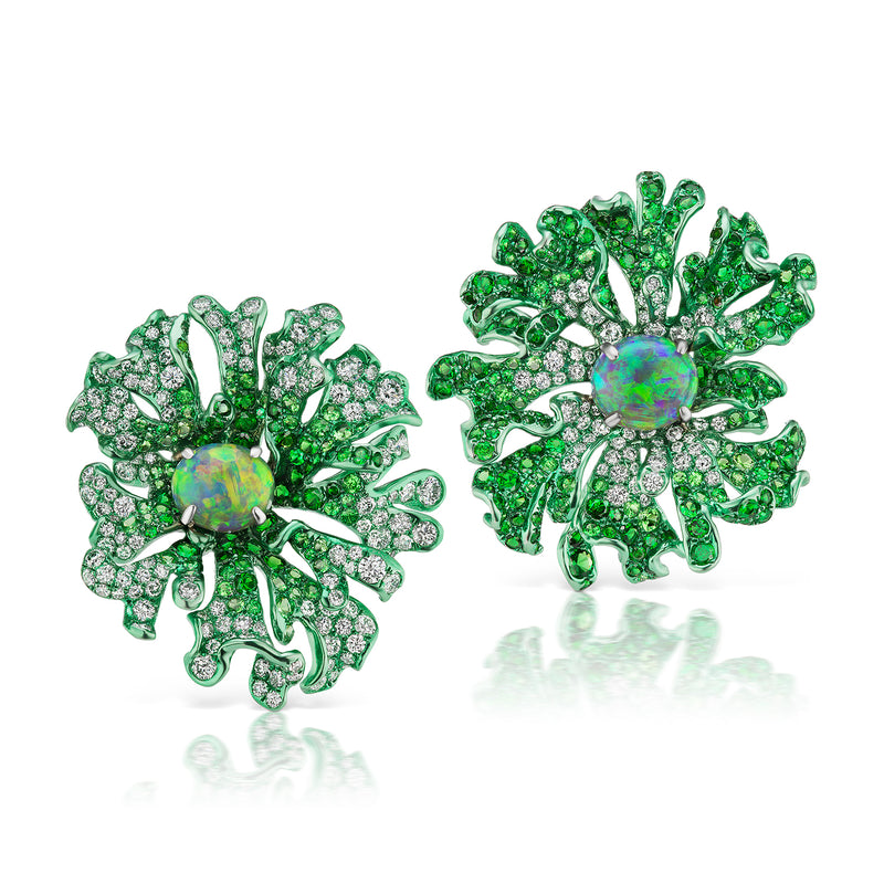 Green rhodium plated white gold earrings
