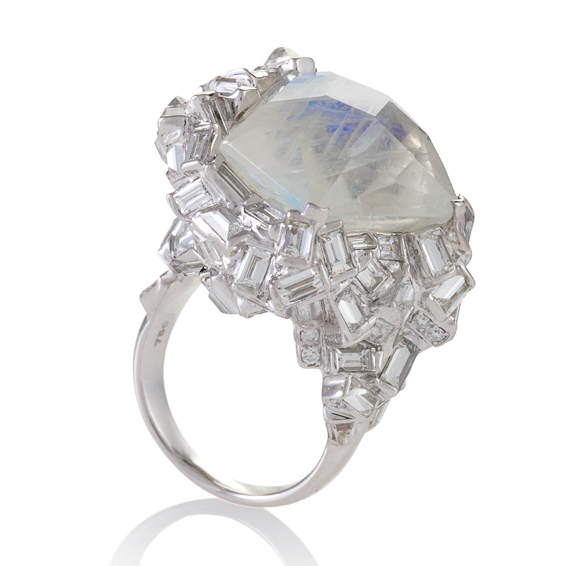 18 karat white gold ring with 150 diamonds and single central moonstone