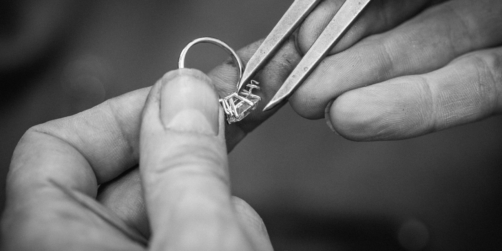London jeweller designing bespoke engagement ring