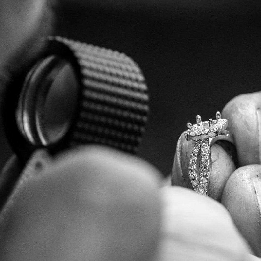Hatton Garden jeweller creating bespoke engagement ring
